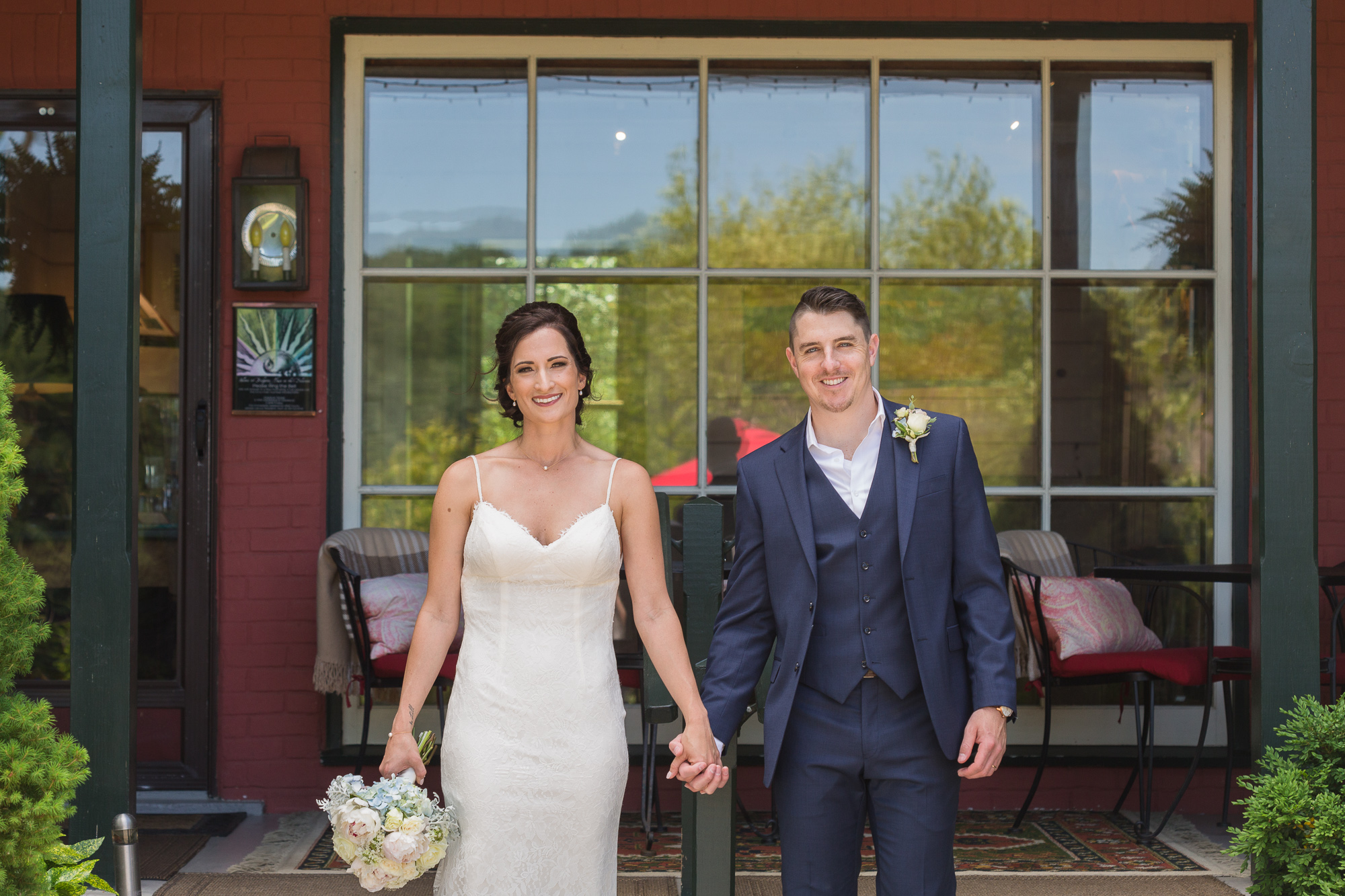 Elegant micro wedding at Bridgeton House on the Delaware, Bucks County, PA