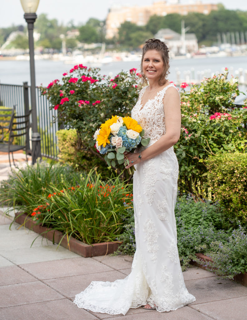 Elegant bride at the Molly Pitcher Inn in Red Bank, NJ photographed by Laura Billingham