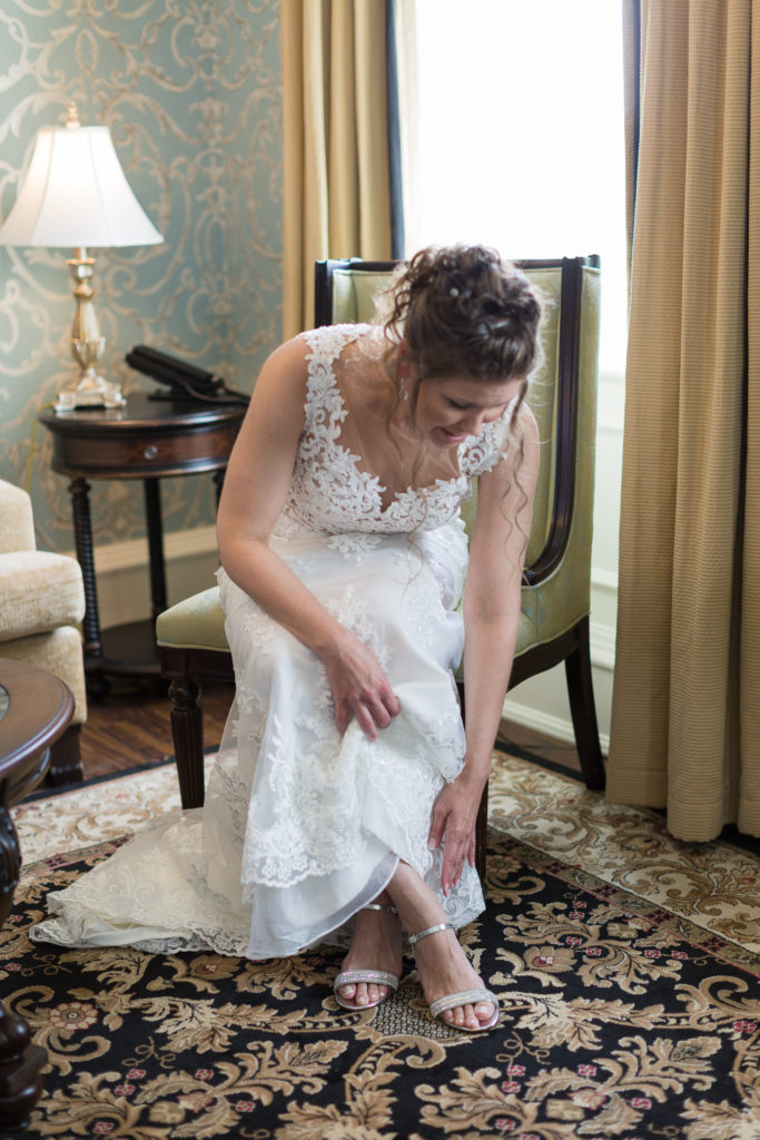Elegant Bride getting ready at Molly Pitcher Inn photographed by Laura Billingham Photography