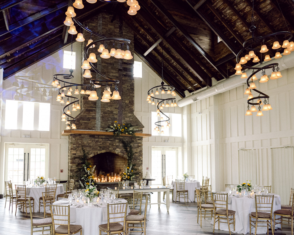 Elegant summer wedding reception at the Coach House at Ryland Inn in Whitehouse Station, NJ by Laura Billingham Photography